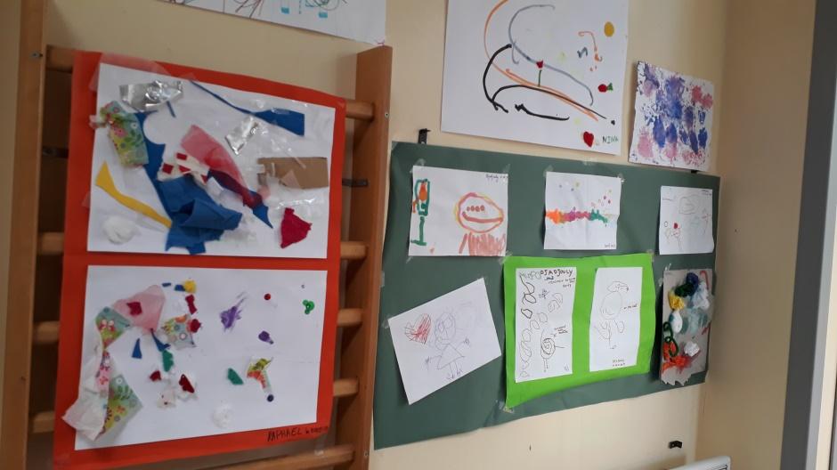 Exposition des productions artistiques des enfants à l'hôpital de jour Bleu Soleil